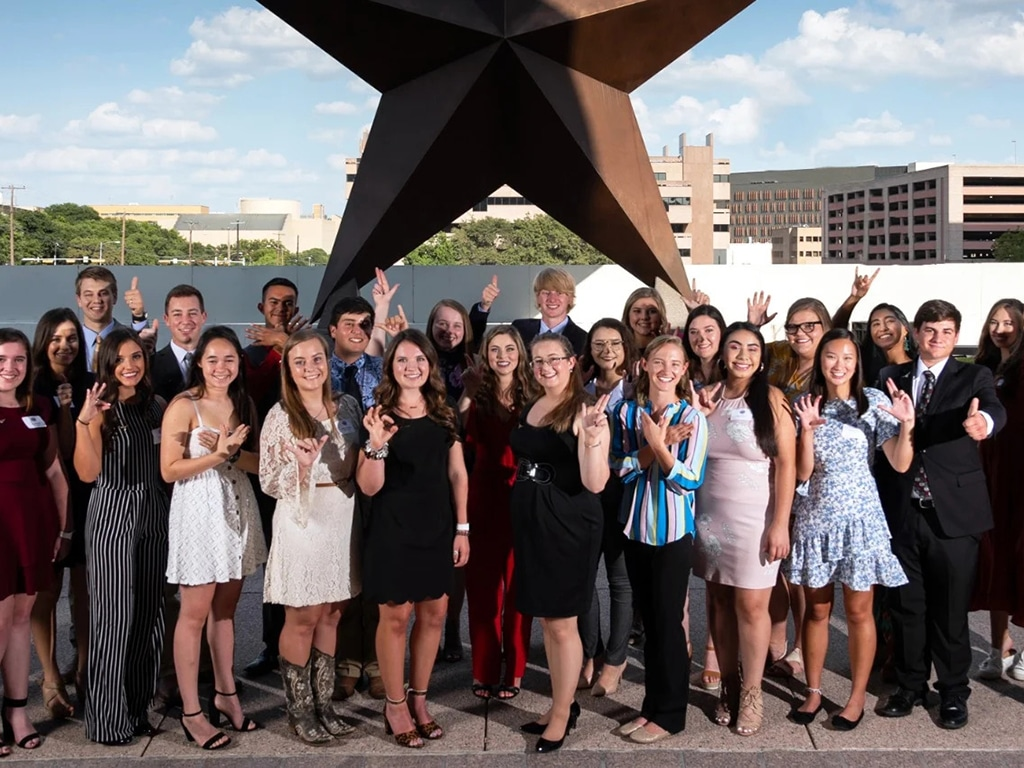 group photo of Rodeo Austin scholarship recipients